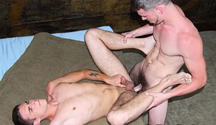 College Dudes - Aaron James fucks Thor Martin