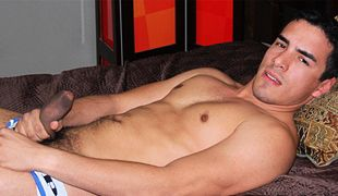 College Dudes - Nick Donato busts a nut