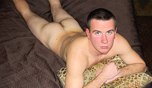 College Dudes - Paul Eastcore busts a nut