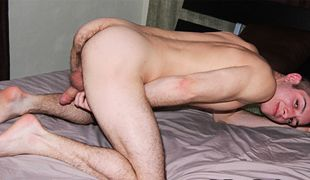 College Dudes - Johnny Bronco Busts A Nut