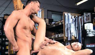 Body Shop, Scene 02