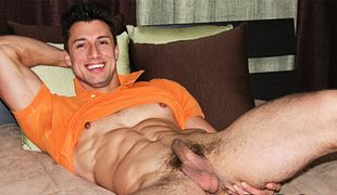 College Dudes - Tyler Busts A Nut