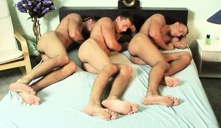 Threesome Solo Bedroom, Scene 01
