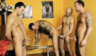 Gym Foursome, Scene 01