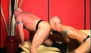 Bear gay licks out mature muscle ass