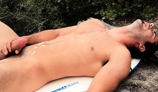 Brock Cooper Beach Solo, Scene #01
