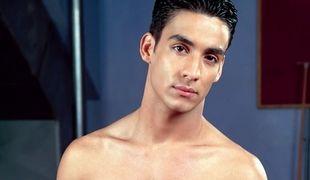 Meet The Men - Jonathan Diaz